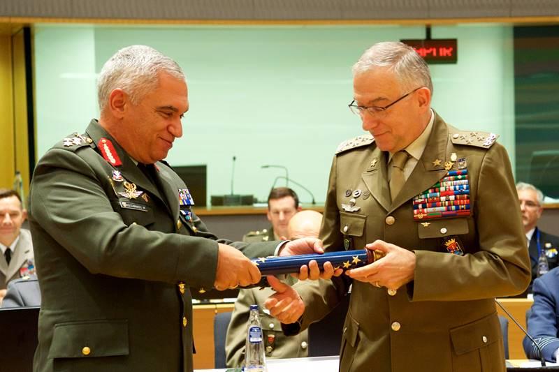 Παράδοση καθηκόντων του Προέδρου της Στρατιωτικής Επιτροπής της Ε.Ε.