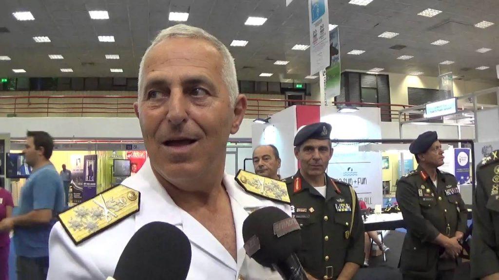 Ο αρχηγός ΓΕΕΘΑ, ναύαρχος Ευ. Αποστολάκης