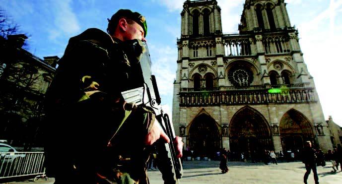 ISIS: ΠΛΗΓΩΜΕΝΟΣ ΑΛΛΑ ΕΠΙΚΙΝΔΥΝΟΣ