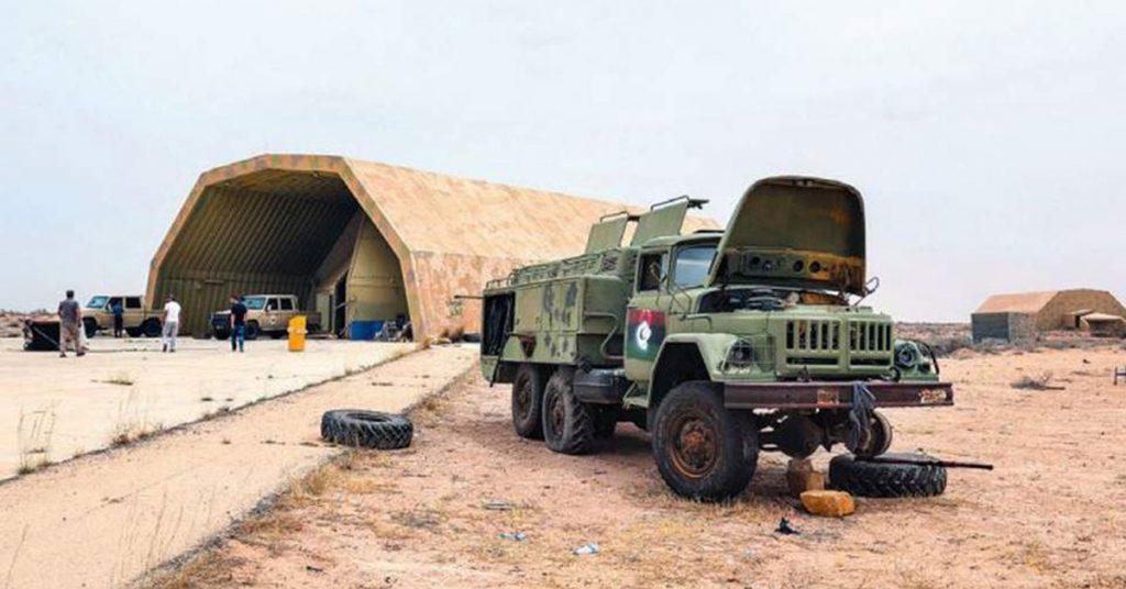 «Πόλεμος δι' αντιπροσώπων» στη Λιβύη