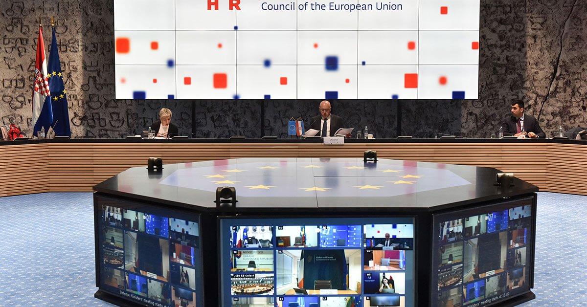 Σύνοδος υπουργών στη σκιά του COVID-19