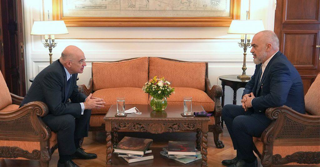 «Ρευστές» προκλήσεις και νέα δεδομένα για την ελληνική εξωτερική πολιτική – Πόσο προετοιμασμένοι είμαστε;