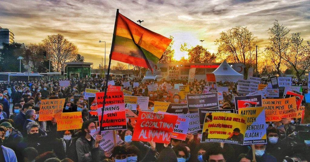 Ακαδημαϊκοί, φοιτητές και… Στέιτ Ντιπάρτμεντ ενάντια στο «ασύμβατο με τη Δύση» καθεστώς Ερντογάν