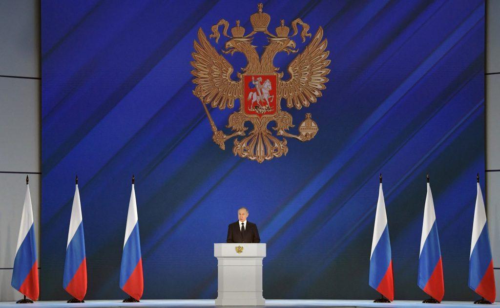 Πολλαπλά μηνύματα από Πούτιν μέσω Ουκρανίας – Ρώσοι αποσύρονται από τα σύνορα – Το Ντονμπάς «εκκρεμεί»