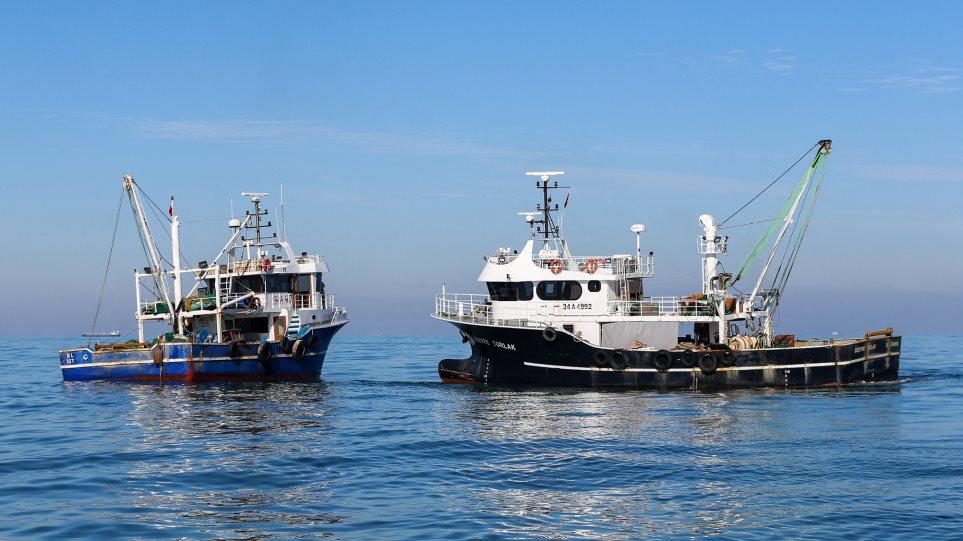 Προβληματισμός για τα τουρκικά αλιευτικά σκάφη νότια της Γαύδου