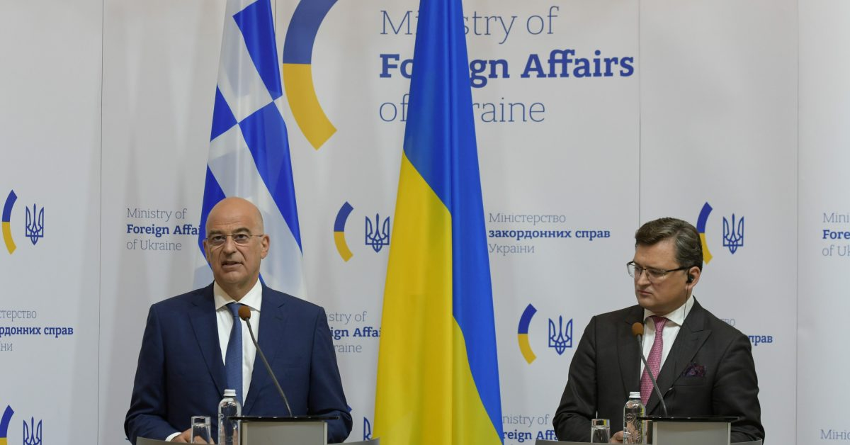 Ανοίγματα – αντίβαρο στην τουρκική επιρροή – από Ελλάδα προς Λιβύη και Ουκρανία